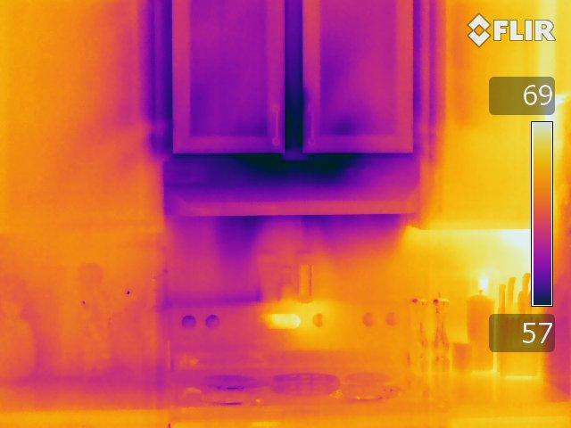Cabinet - FLIR T640 Infrared Image